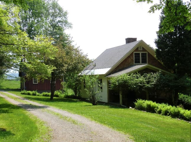 Lovely Country Cottage in Estate Setting. - Barnard - House