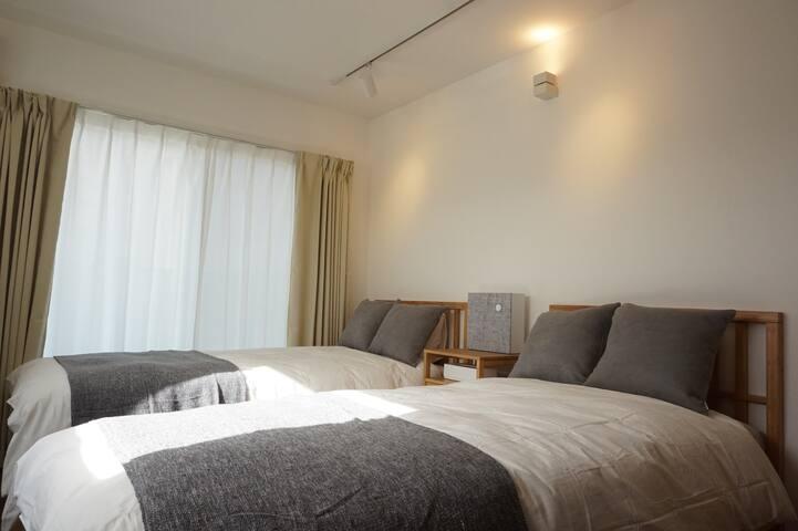 ビーチが目の前のアパートメントホテルです。鎌倉・江ノ島観光に便利です。