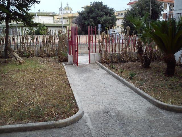 Casa indipendente Rodi Garganico periodo estivo - Rodi