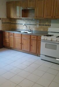 Northside of Syracuse, Private Apartment 2nd floor - Syracuse - Apartemen