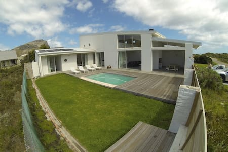 Maison Blanche (white house) - Pringle Bay