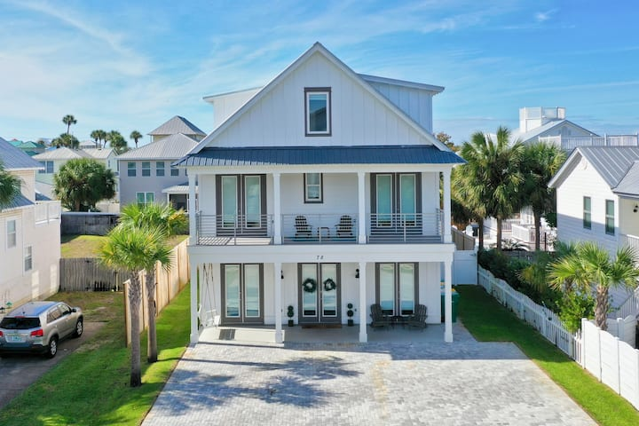 Family Friendly Steps 2 🏖Sleeps 22 New 7BR8BA