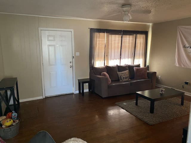 Private room and bath close to Texas Tech campus.