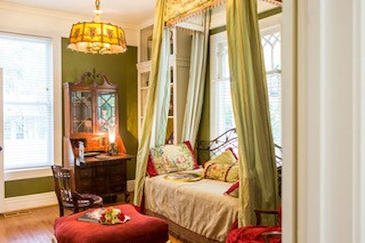 Churchill Study at Maison Papillon