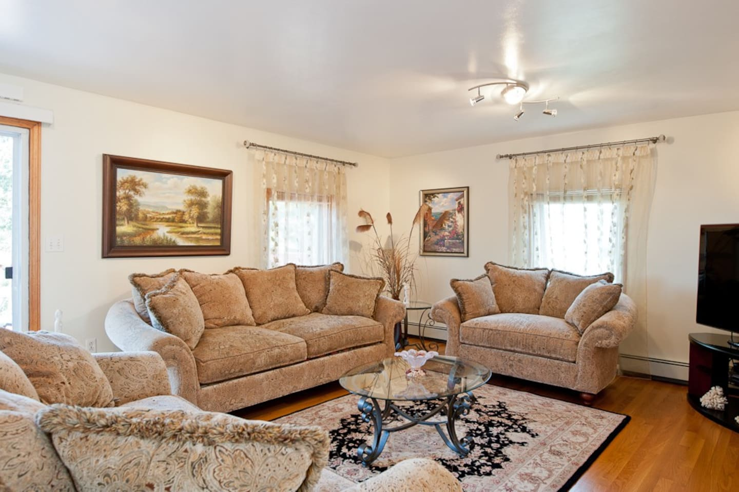 Boston BnB - Your Home Away from Home!!!