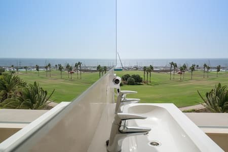 Amarilla Golf Villas - Unit 2 - luxury 3 bed