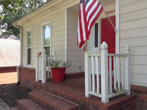 **  Memphis Vacation Place**  Close to Germantown
