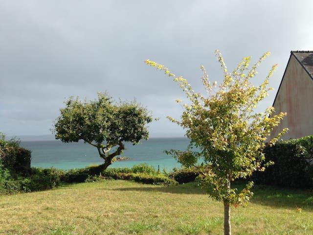 Location maison les pieds dans l'eau 4 chambres - Finistère - Hus