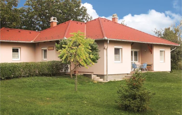 Holiday cottage with 3 bedrooms on 100 m² in Tordas
