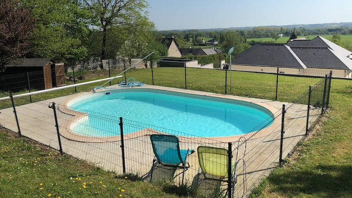 Maison familiale, spacieuse avec piscine