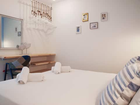 Stylish 1 bedroom apartment with garden by BluPine