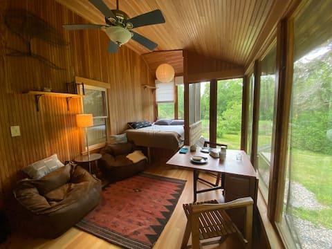 Tiny Cabin~esque Getaway in Rural Western Mass