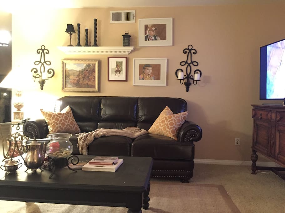 Family room with tons of space to enjoy your friends and family in comfort.