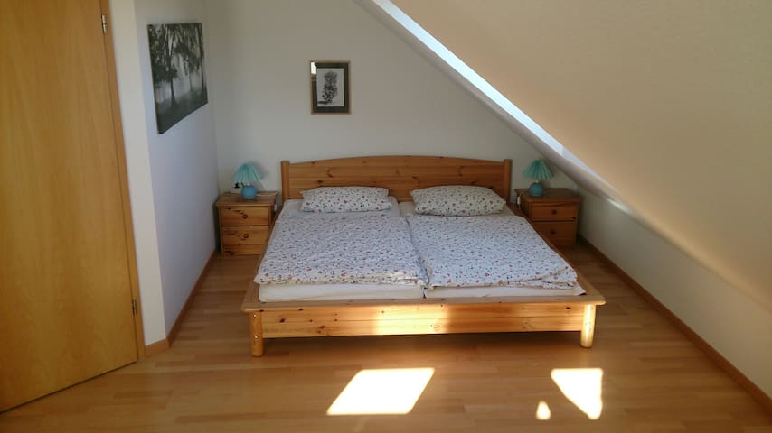 Spacious, bright room near Stuttgart