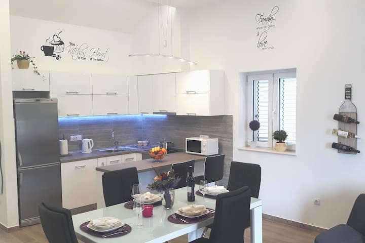 Modern luxury Apartment TONI , near Dubrovnik