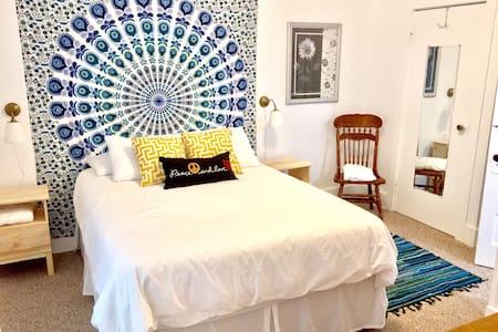 Hotel Woodstock - Iris Suite