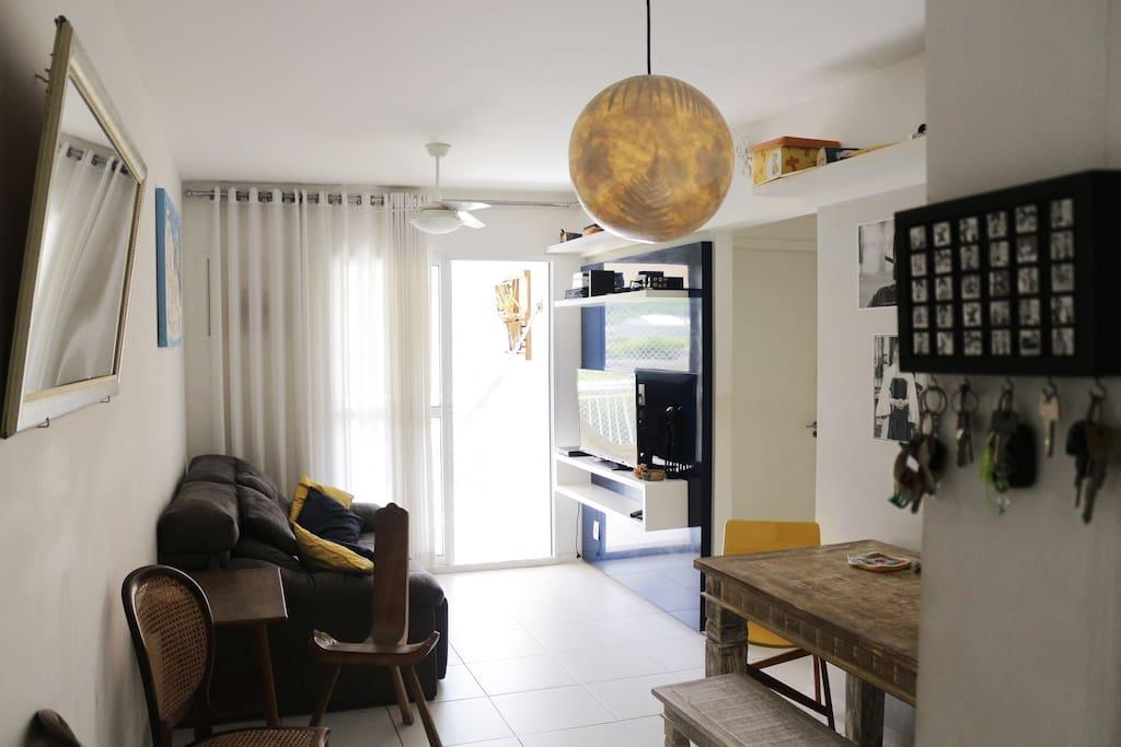 Sala, entrada do apartamento