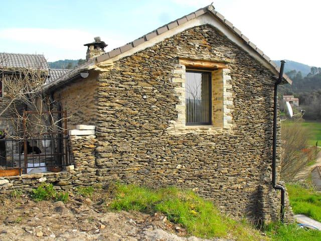 Location maison de vacances en pierre 60 m2