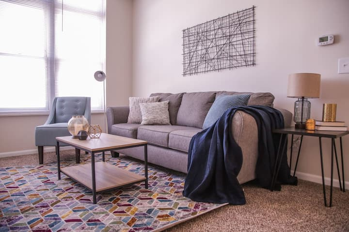 Stylish + Modern 2BR | Steps to Amazing Mass Ave