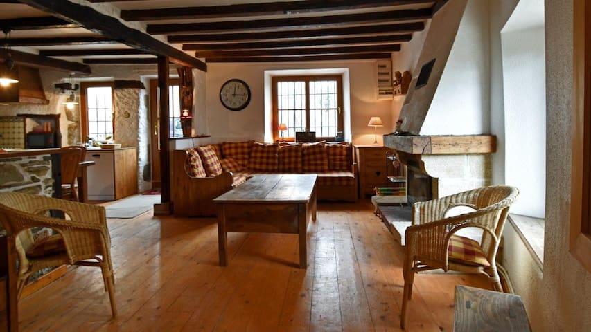 Gite de charme à la montagne - Saint-Martin-de-la-Cluze - House