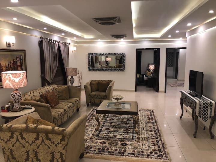 Shahmeer's Emrald Apartment