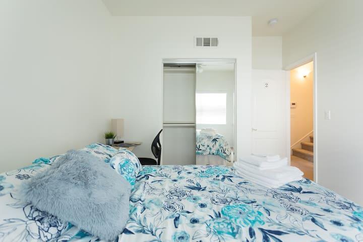 Long Beach/Signal Hill - Private Room #2