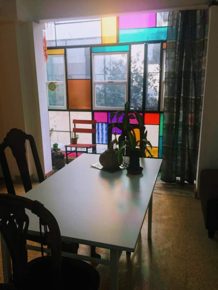 Depto 2 ambientes Villa Luro, colorido y amplio
