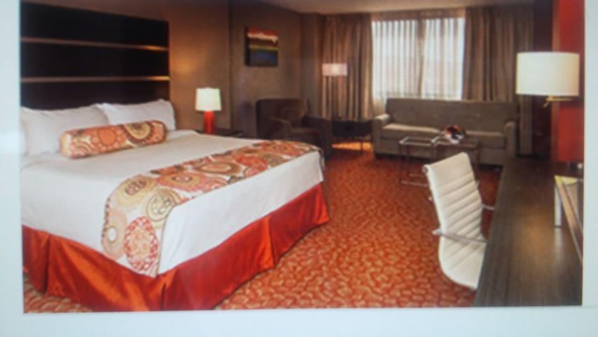 Lg.Suite @ Grand Sierra Resort.