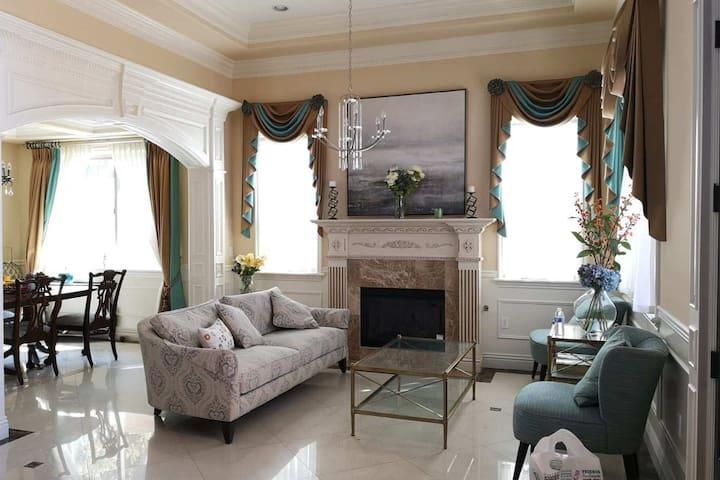 欧式豪华大别墅精致设计独立卫生间套房