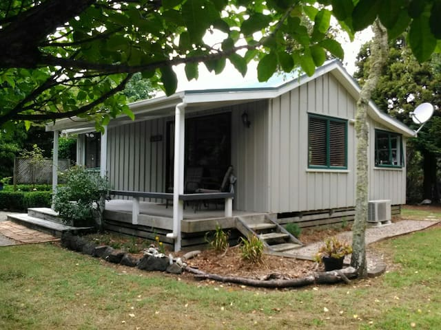 Self-contained private cottage in a 5acre garden