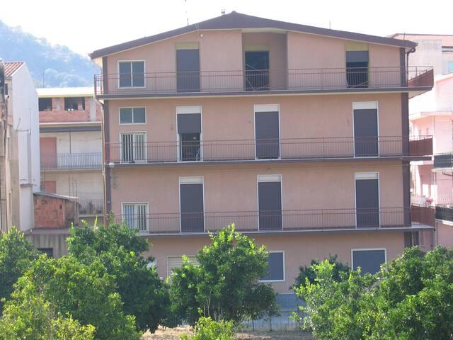 Casa Vacanze Casteddu - Francavilla di Sicilia - Leilighet