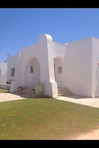 Superbe villa la douce vue dégagée - Aghir - Villa