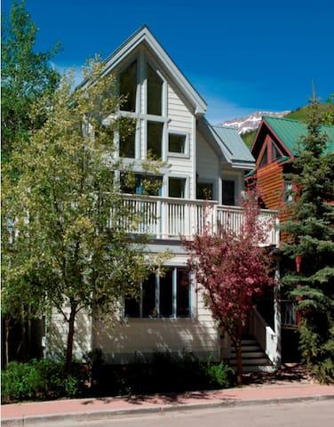 Jennings Depot House in the Heart of Telluride - Telluride - Hus