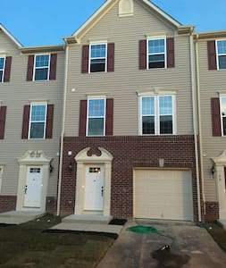 Townhouse for rent (shared with one tenant)