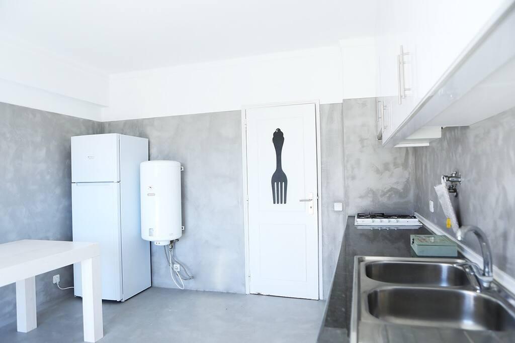 Kitchen Spacious area