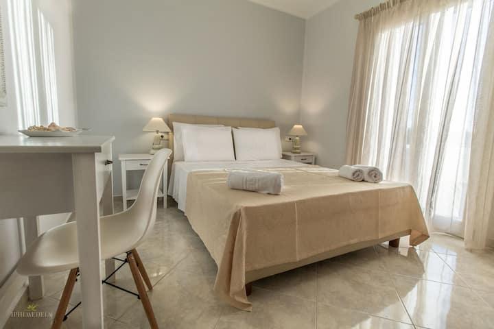 Luxury Two Bedroom Apartment (one)