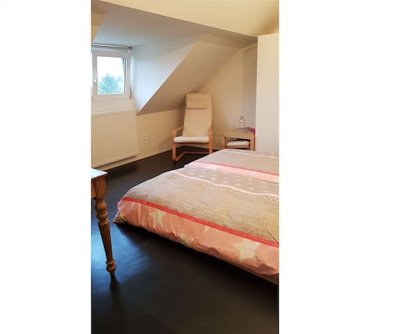 Quiet room for 2 persons in nice residential area - Leuven - Rumah