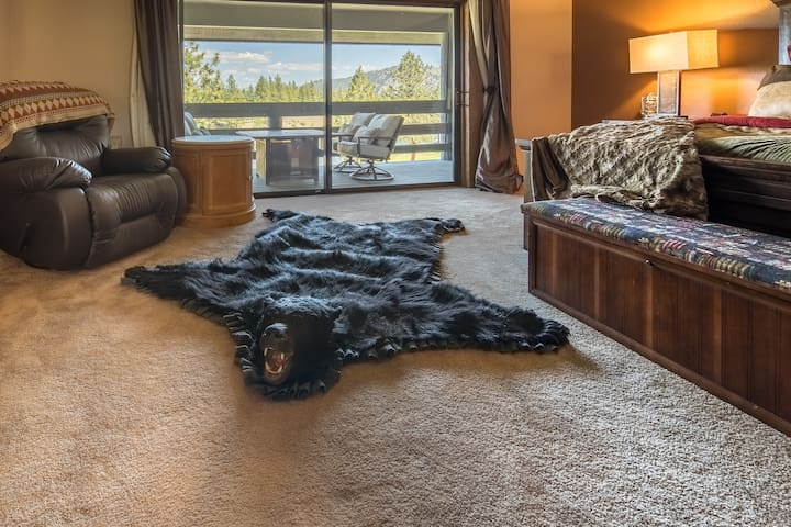 RiverView Ranch Yellowstone Suite - ALL INCLUSIVE