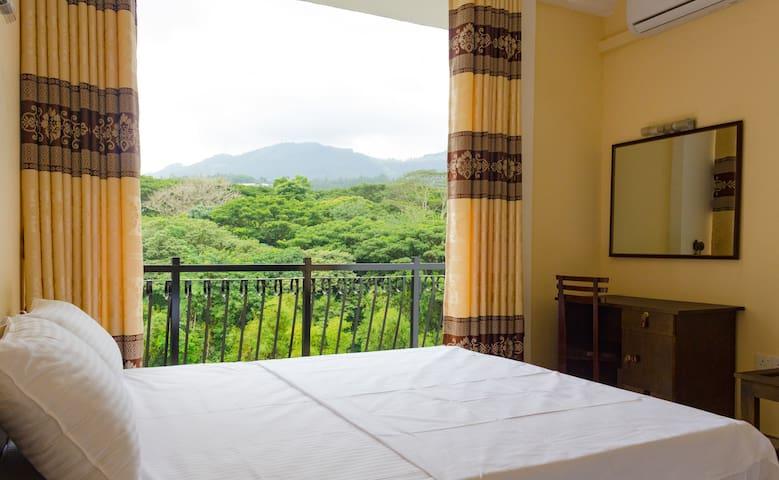 Hanthana Mount View - Home Stay
