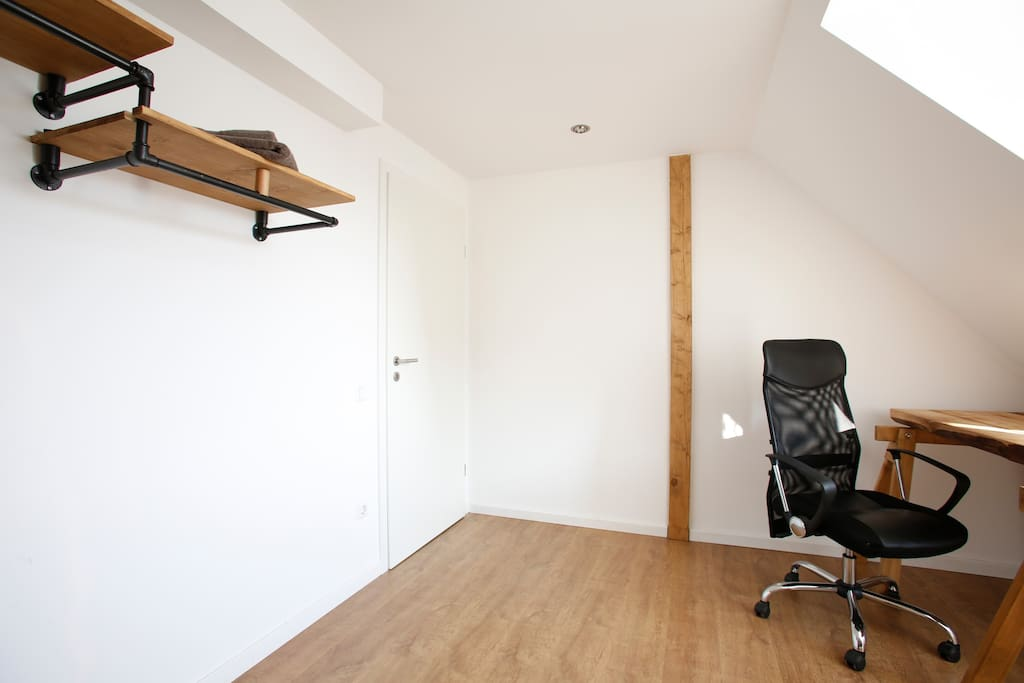 centrally located and inexpensive appartamenti in affitto a bielefeld nordrhein westfalen. Black Bedroom Furniture Sets. Home Design Ideas