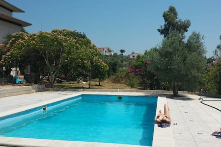 Appartamento in Villa con piscina - Campodivivo - Βίλα