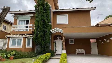 Casa em Condomínio Fechado com lazer completo