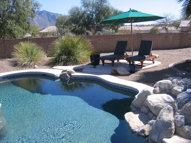 Blue Wolff Resort private pool/hot tub 3 br/2ba