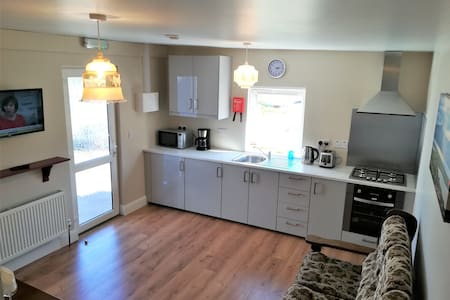 Hillside Cottage Apartment 3