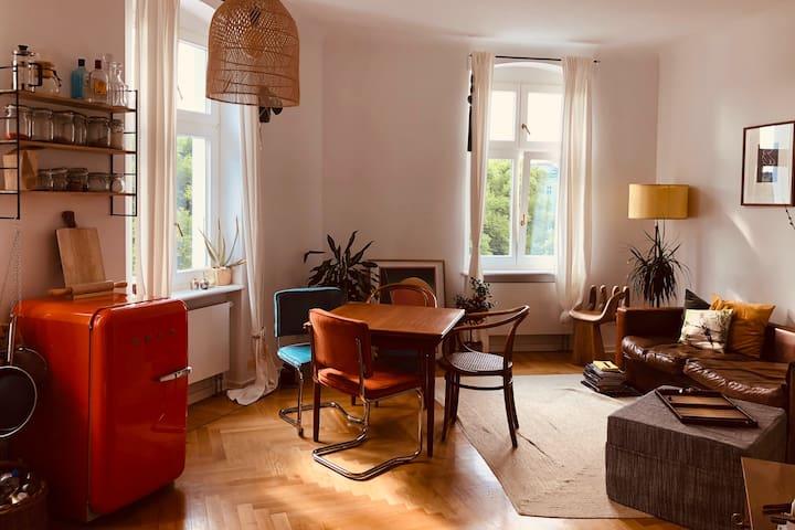 Liebevolles, helles Apartment am Arkonaplatz