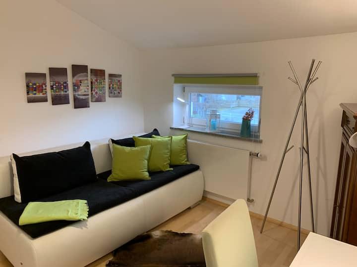 Gemütliches,sonnig. ruhiges Zimmer Münchner Vorort