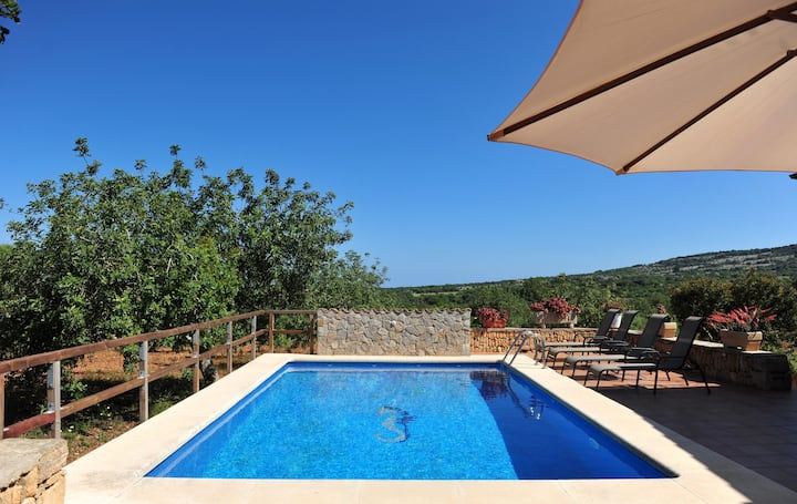 Mediterranean Holiday Home Cavall de Mar with Pool, Wi-Fi & Terrace; Parking Available, Pets Allowed