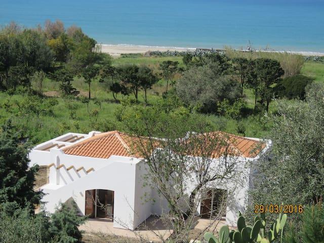 villetta mediterranea sul mare - Cocuzzola - Vila