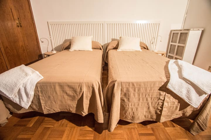 R3- Double room next to the city hall