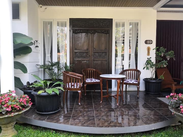 Entire Cozy Home In Bandung